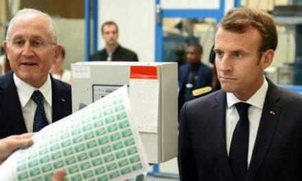 En Dordogne, Macron tente d'esquiver l'affaire Benalla