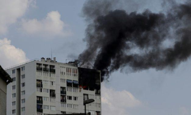Une femme et trois enfants meurent dans l'incendie d'une tour à Aubervilliers