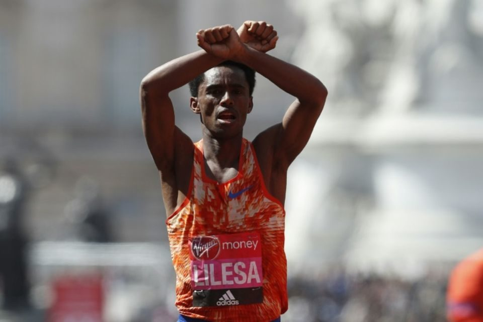 L'Ethiopie demande à son vice-champion olympique de marathon Lilesa de rentrer au pays