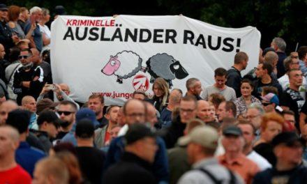 Chemnitz: la police allemande soupçonnée de collusion avec l'extrême droite