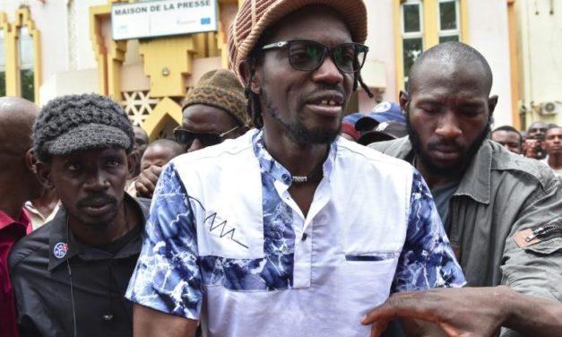 Présidentielle au Mali: la radio de l'activiste «Ras Bath» fermée