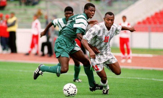 Tanzanie: l'ex-gloire du Nigeria Emmanuel Amunike nommé sélectioneur