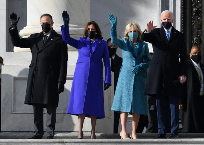 (De G à D) Doug Emhoff, Kamala Harris, Jill Biden et Joe Biden, au Capitole, le 20 janvier 2021 afp.com - ANGELA WEISS