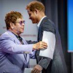 Elton John accuse la Russie et l'Europe de l'Est de «discrimination envers les gays»