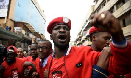 Ouganda: le chanteur et député arrêté victime d'un coup monté selon ses proches