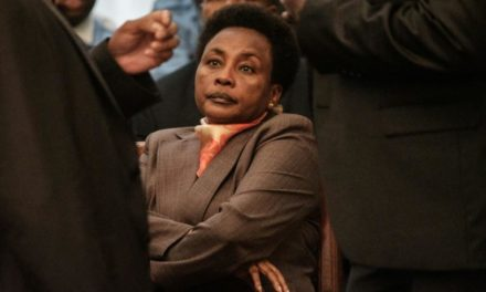 Kenya: ajournement de l'inculpation de la n°2 de la Cour suprême