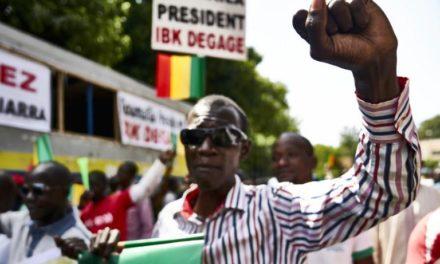 Mali: des milliers de personnes manifestent contre la «fraude électorale»