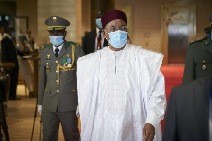 Le président nigérien Mahamadou Issoufou le 23 juillet 2020 à Bamako afp.com - MICHELE CATTANI