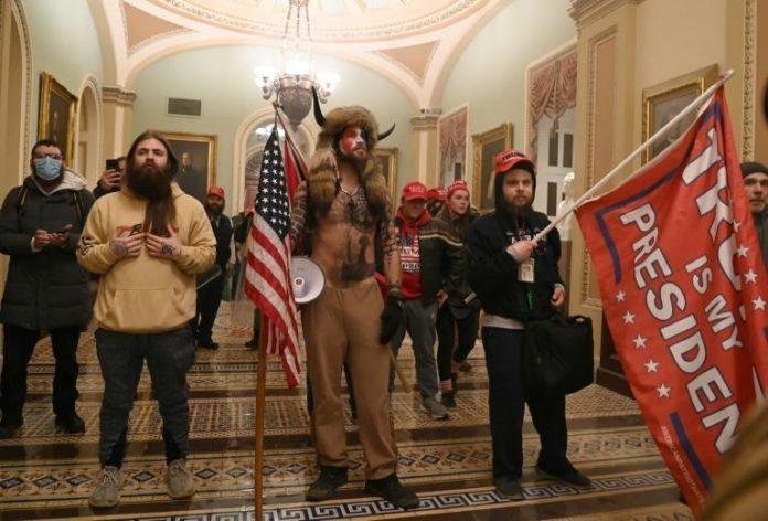 Des partisans de Donald Trump ont envahi le Capitole, à Washington, le 6 janvier 2021 afp.com - Saul LOEB
