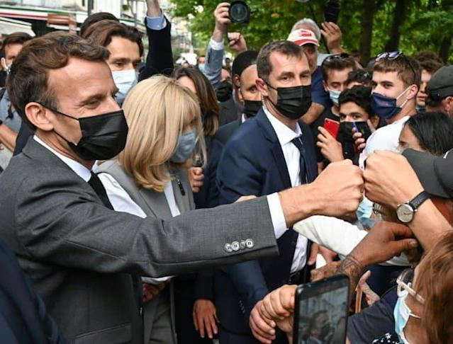 Emmanuel et Brigitte Macron le 8 juin 2021 à Valence afp.com - PHILIPPE DESMAZES