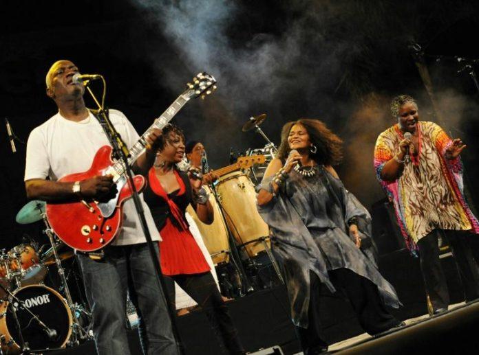 Jacob Desvarieux avec le groupe Kassav, lors d'un concert à Abidjan, le 1er mai 2009 afp.com - Sia KAMBOU