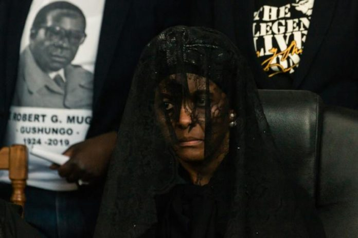 L'ex-Première dame du Zimbabwe Grace Mugabe, aux obsèques de son mari, l'ex-président Robert Mugabe dans son village de Kutama, le 28 septembre 2019 afp.com - Jekesai NJIKIZANA